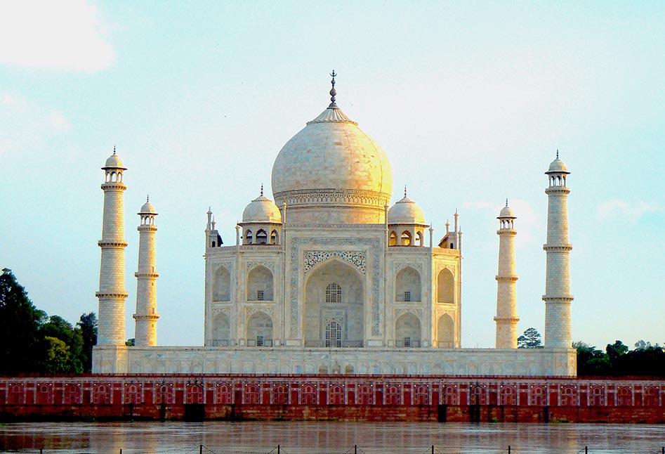 Taj Mahal by day from Methab Burj.