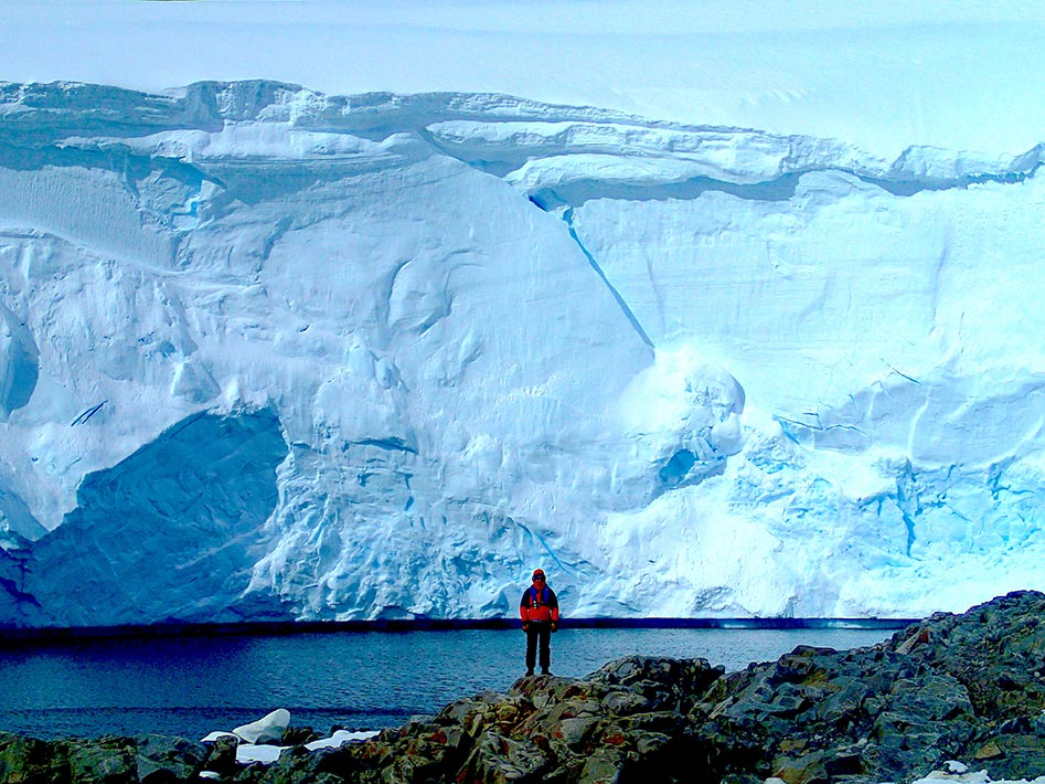 An impressive Ice Wall at Port Lockroy.