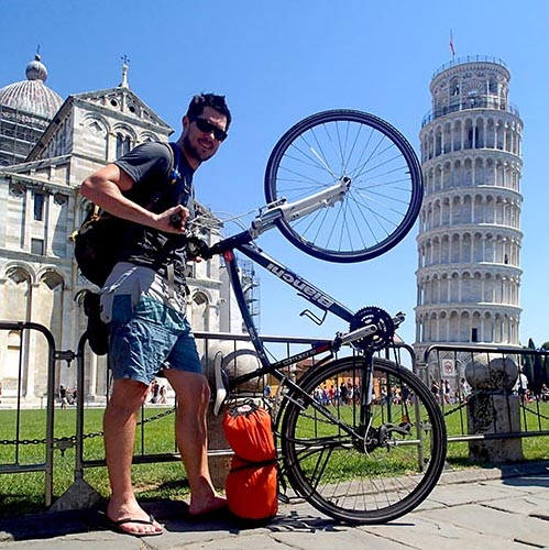 leaning tower of pisa with bike