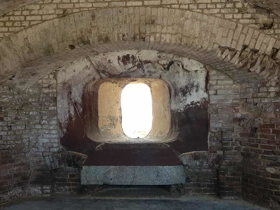 fort sumter cannon hole